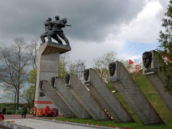 State memorial complex KHATYN Tour