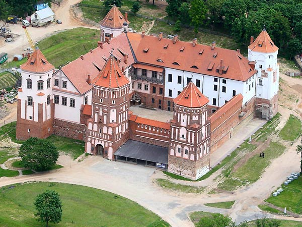 Nesvizh Palace and Mir Castle Tour